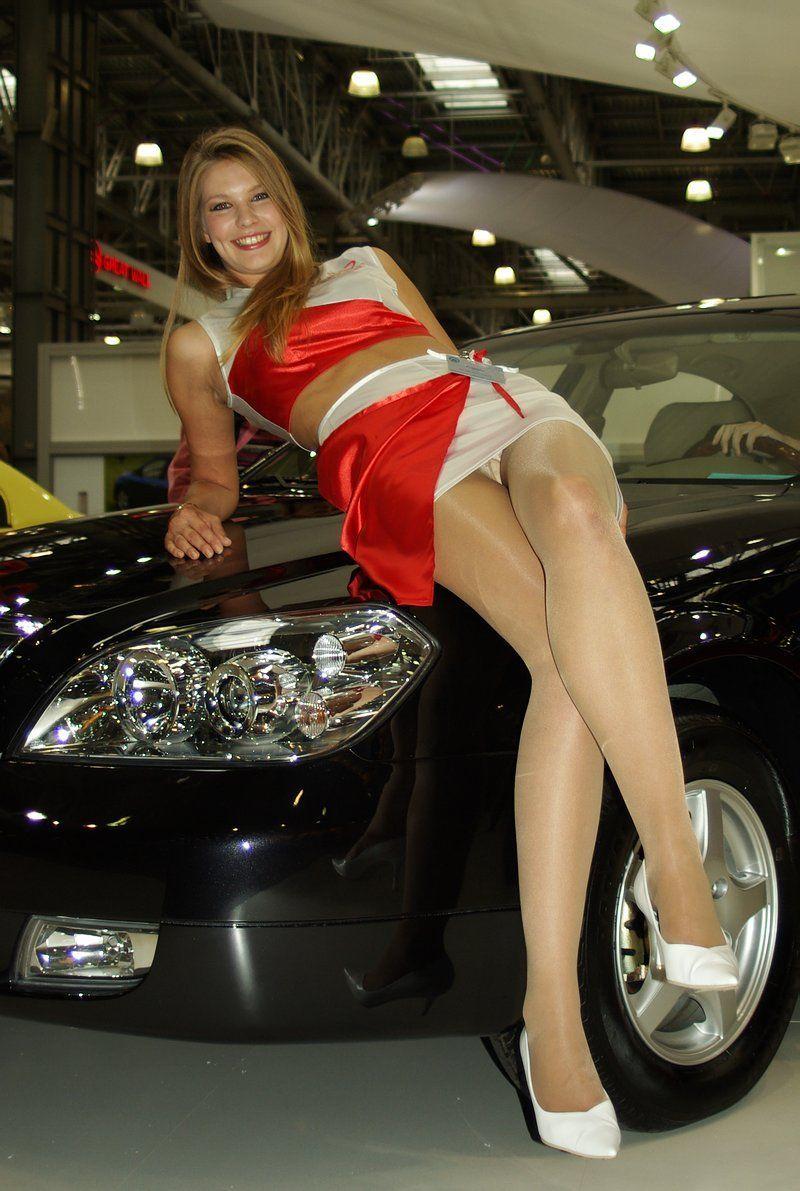 Рыжая пришла девушки в машинах засветили русское порно