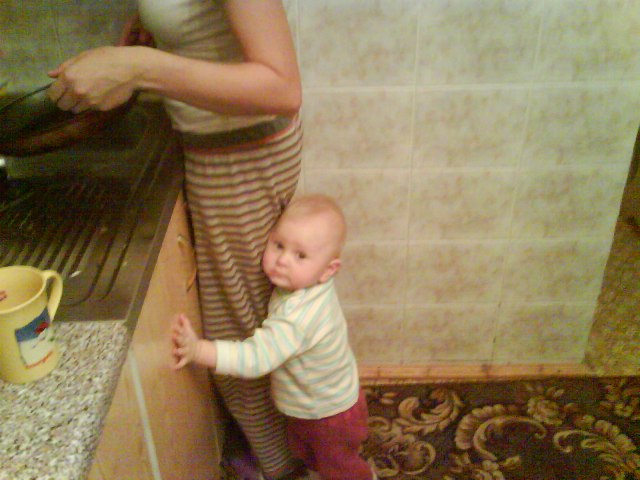 фото как мама мвылась и зашол сын
