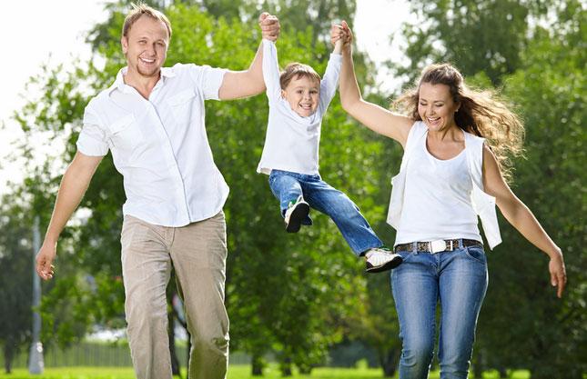 Мама, папа, я - счастливая семья