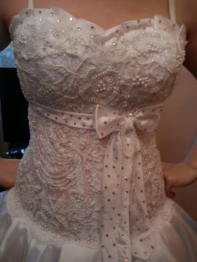 Город: Чебоксары Размер: 44 Рост: 165-170 Продается за 9000 Контактный Email.  Свадебное платье.