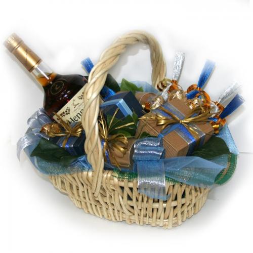 В композициях и. Материал:конфеты, флористический, ваза материал, бисер, стразы Техника / Подарочная...