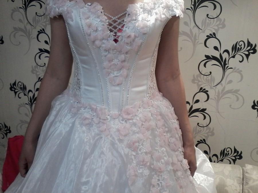 Свадебные платья за 3000