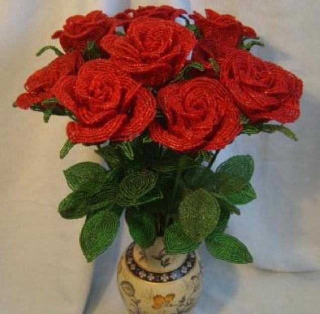 Как сделать букет роз из бисера