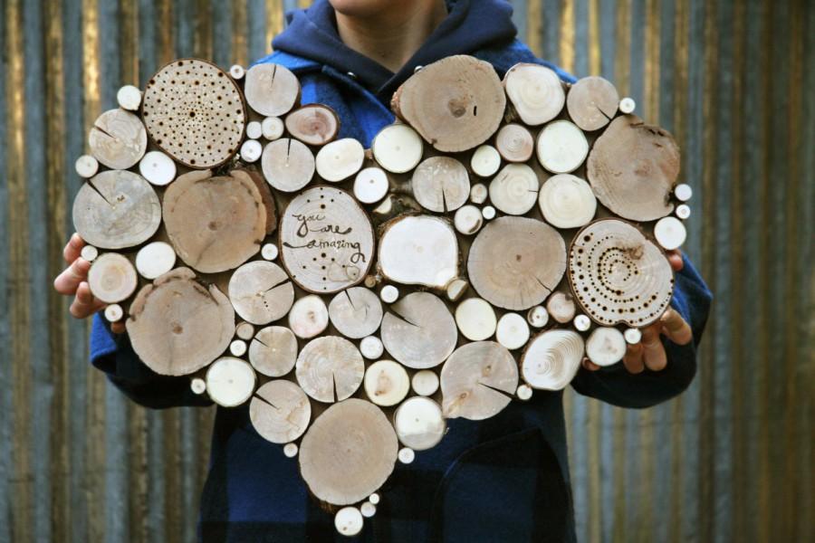Поделки из спилов деревьев для интерьера 45