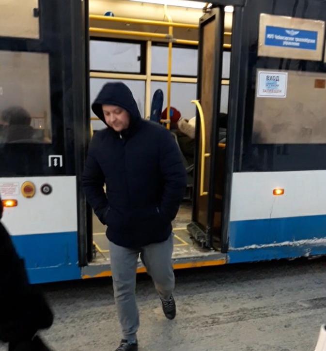 16 пассажиров, 3 магазина и парикмахерская: рейды вновь выявили чебоксарцев без масок - Новости