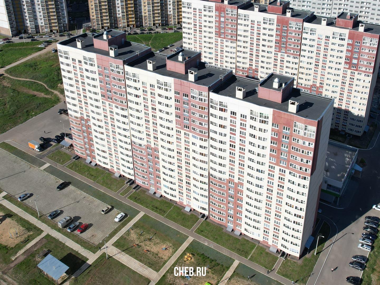 Бульвар Солнечный, 8 - 16-этажный дом 2019 года с 413 квартирами из которых 349 однокомнатных.