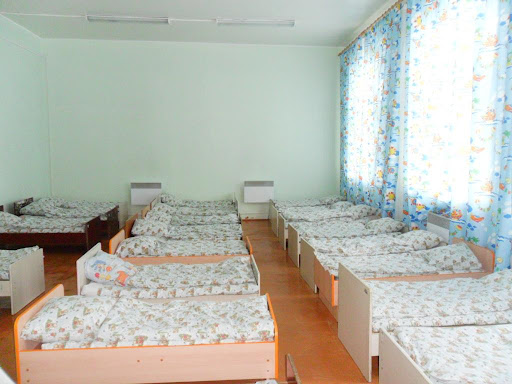 Похожая спальная комната была у нас в классе
