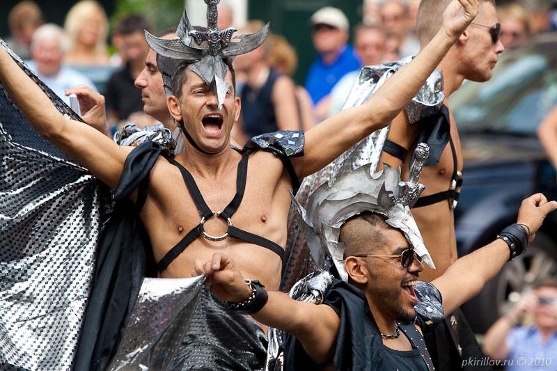 Хочу увидеть гей-парад.