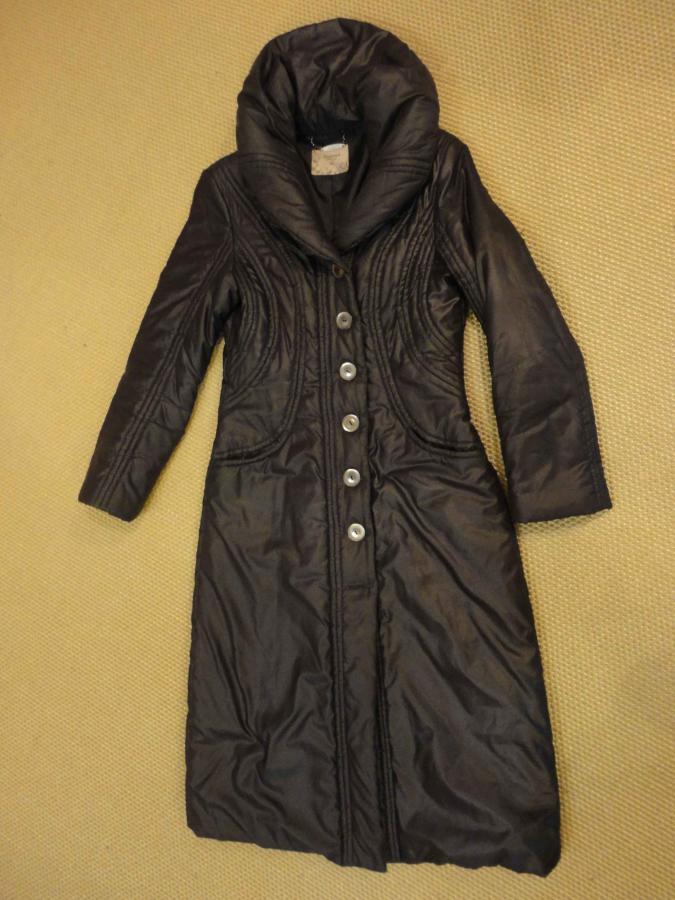 Джинсы Taya.  Чебоксары.  25-02-2013. Продается пальто-плащ фирмы REZERVED, приталенный, темно-серого цвета...