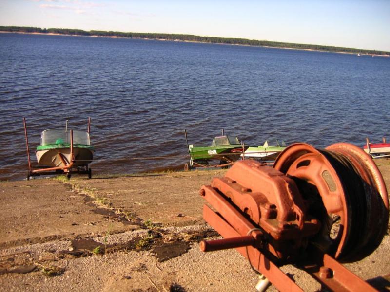 Продаётся моторная лодка Казанка 5М3 с подвесным мотором Вихрь 30.  Цена 80000 руб.  Обращаться по.